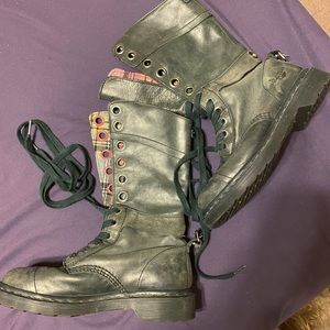 Doc Marten Triumph boots